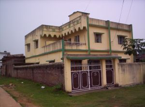 A building on Adivasis' land in Bokaro