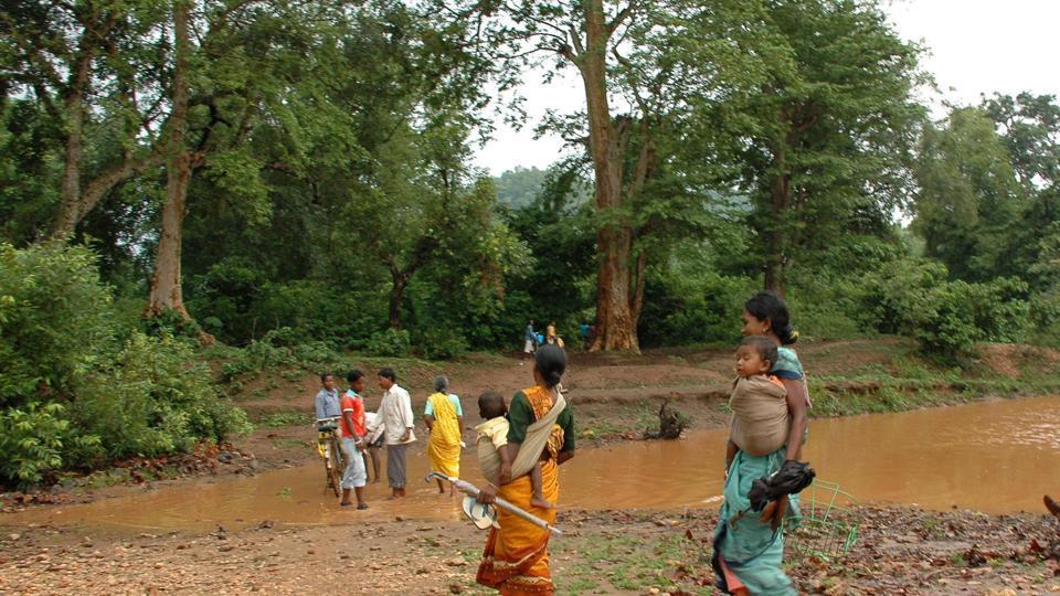 singhbhum-singhbhum-jharkhand-village-saranda-crossing-villager_9cd2a066-43e2-11e9-bbe0-3816edd40ae7